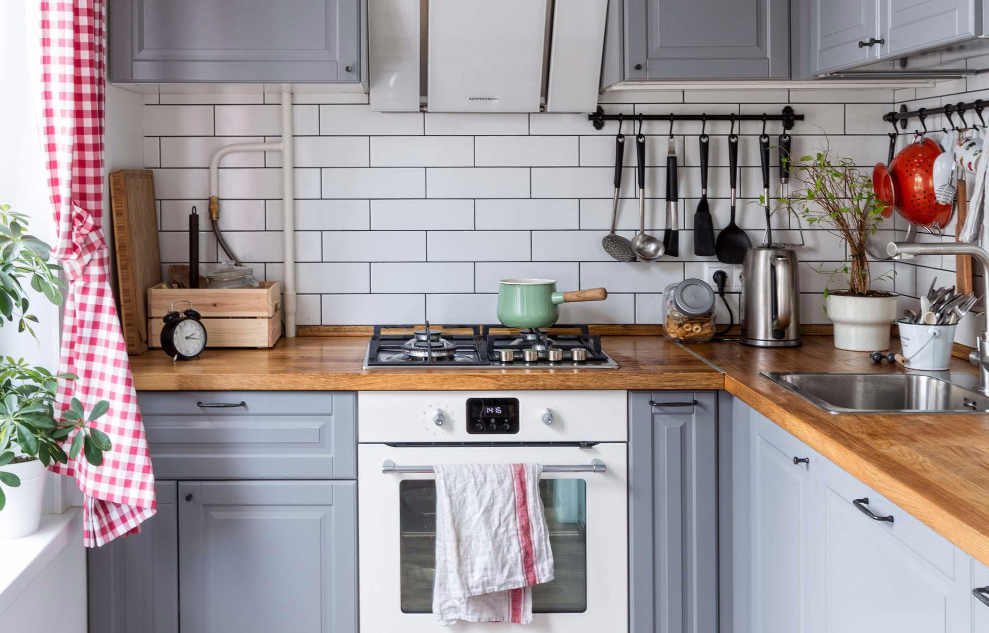 Дизайн крошечной кухни в хрущевке и еще 9 хитов апреля